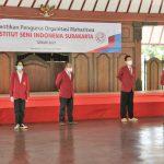 Rektor ISI Surakarta Melantik Pengurus Ormawa 2021